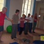 """Cwiczenia rehabilitacyjne w ramach projektu """"Pokonujmy Parkinsona......"""" w przychodni """"Creator"""""""